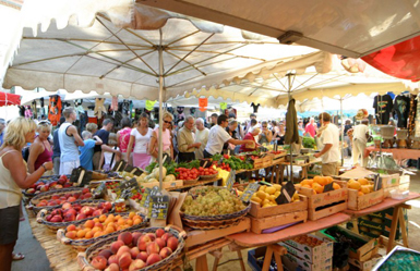 Market Place des Lices Saint-Tropez Every tuesday & saturday mornings from 7am to 1pm
